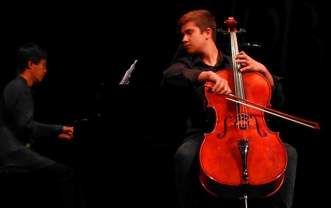 Pablo Teijeiro Galdo (violoncello) pianista acompañante  Brais González