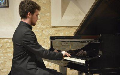 Luis A. Martínez Menéndez, Piano